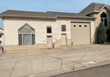 250 N 31st Street office suite with garage for lease in Bismarck, ND