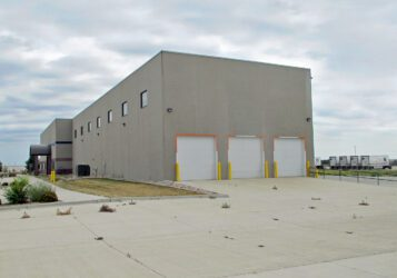 Industrial office / warehouse building on 4.76 acres in South Bismarck